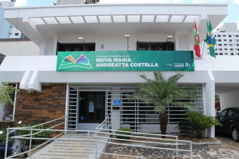 Os livros podem ser reservados de forma online. – Foto: Prefeitura/Divulgação
