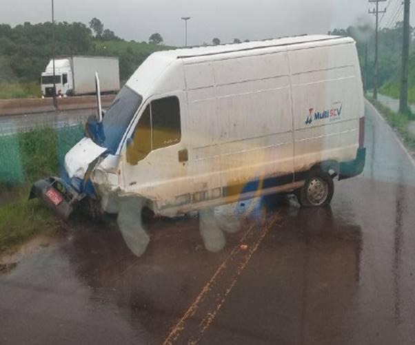 Rodado é arrancado em acidente de trânsito no acesso a Chapecó – Foto: Corpo de Bombeiros/Divulgação/ND
