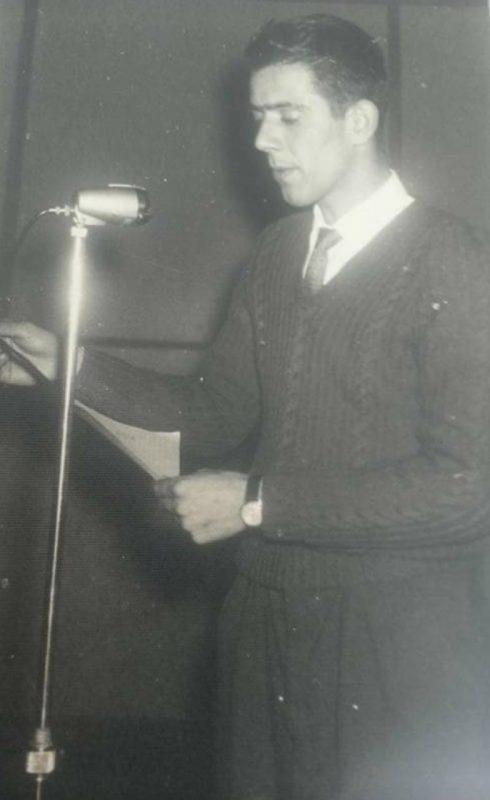 Adilson Sanches na época de ouro do rádio – Foto: Arquivo pessoal/FB/ND