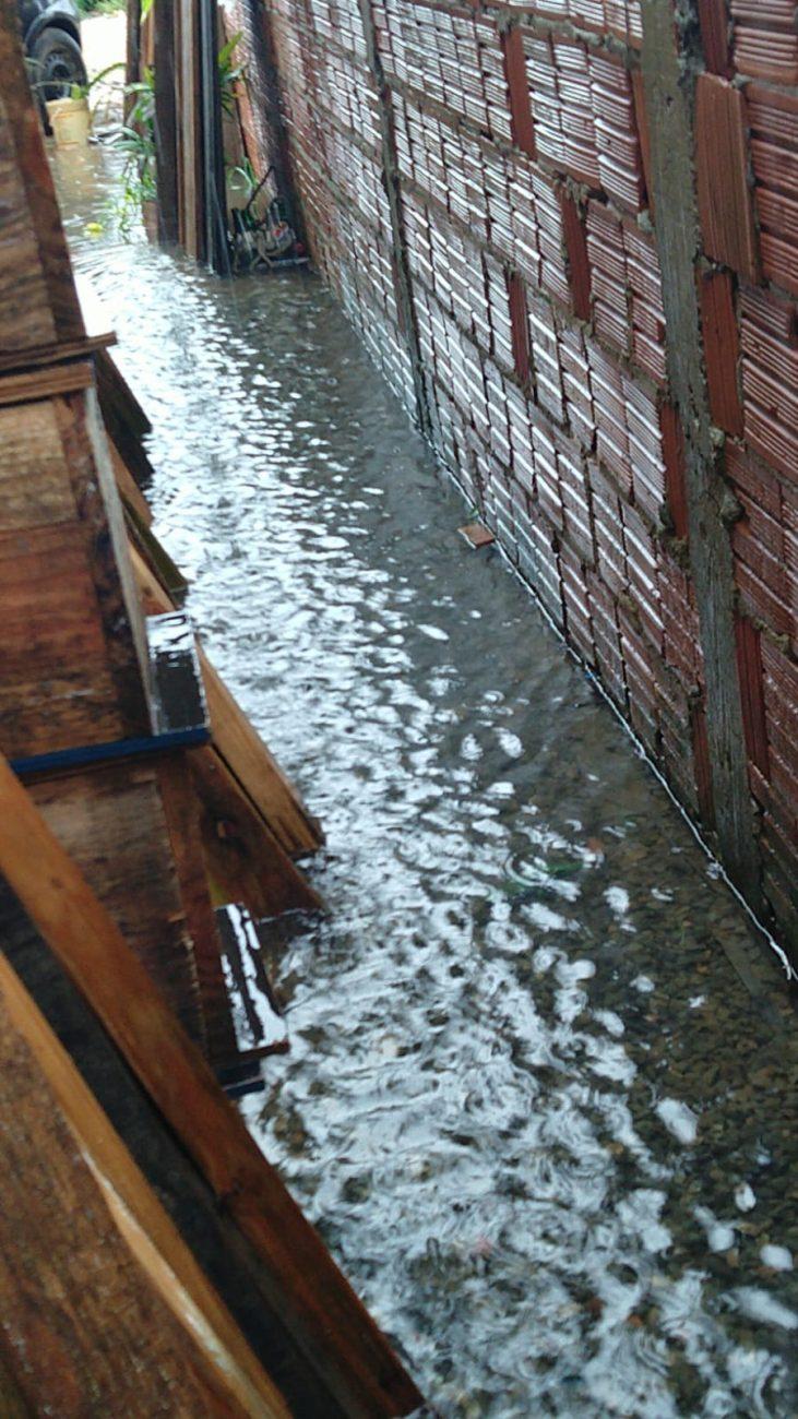 Água invadiu casas em Navegantes. - Reprodução/ND