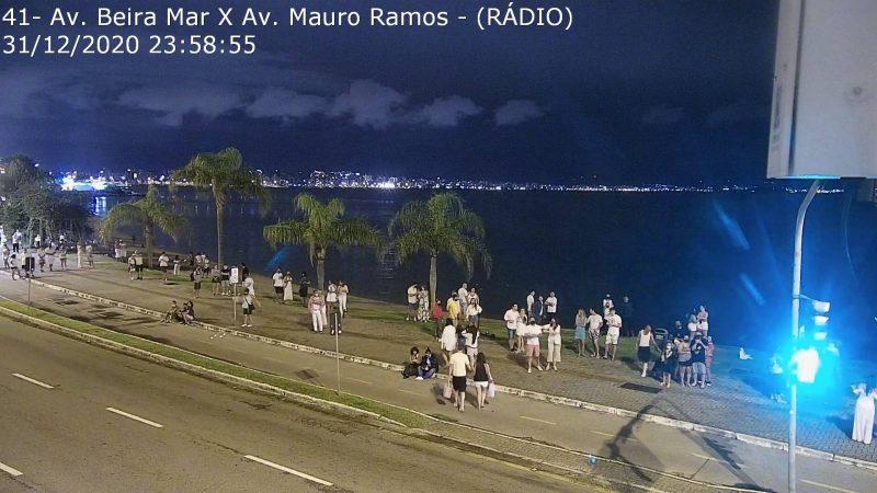 Ano Novo em Florianópolis registra aglomerações na Beira-Mar Norte – Foto: SSPSC/Reprodução/ND