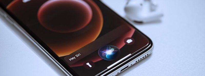 Apple: aprenda a mudar a voz da Siri - Omid Armin on Unsplash
