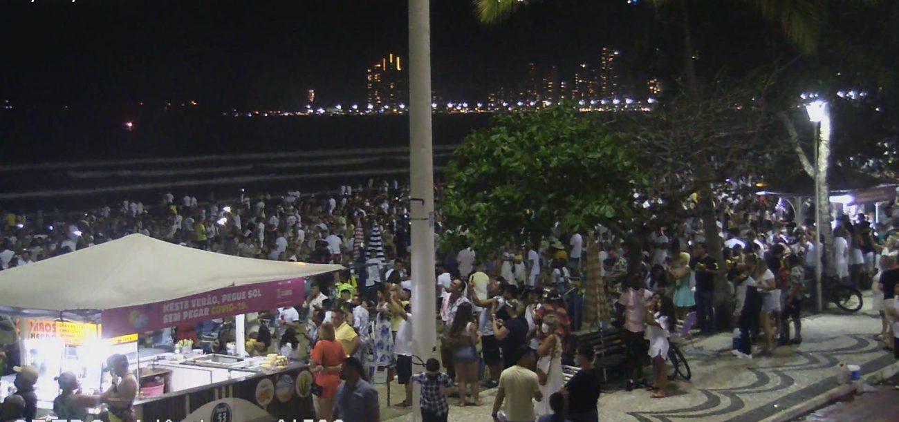 Multidão de pessoas durante a virada em Balneário camboriú - SSP-SC/Reprodução/ND