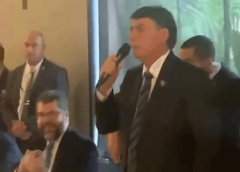 Bolsonaro se irrita com repercussão de matéria sobre gastos do governo – Foto: Reprodução