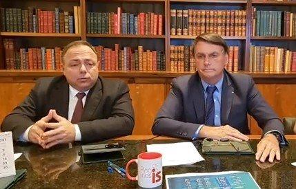 Bolsonaro também confirmou a exoneração de Eduardo Pazuello no Ministério da Saúde