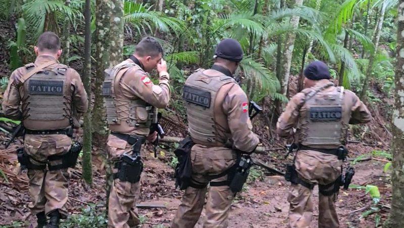 Polícia Militar de Blumenau faz buscas a assaltante – Foto: Divulgação/PM