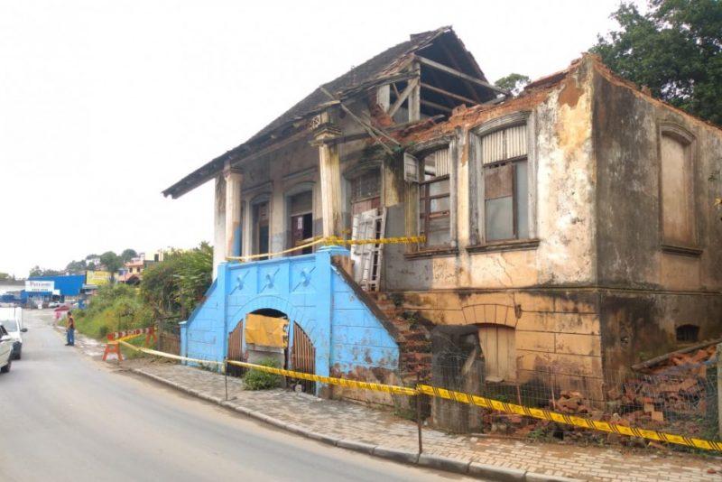 Casarão histórico no bairro Itoupavazinha foi atingido pelas fortes chuvas – Foto: Divulgação/Prefeitura de Blumenau/ ND