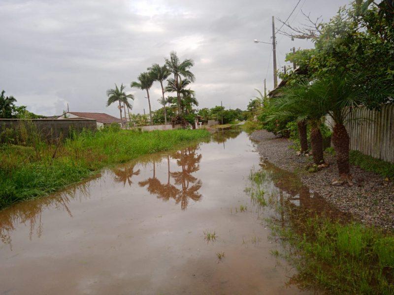 Chuva também causou alagamentos em Itapoá – Foto: Prefeitura de Itapoá/Divulgação