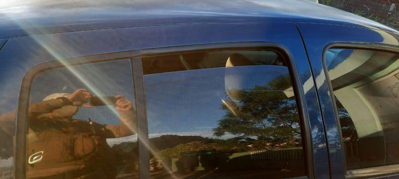 Criança foi deixada sozinha dentro de um carro em Florianópolis – Foto: PMRv/Divulgação