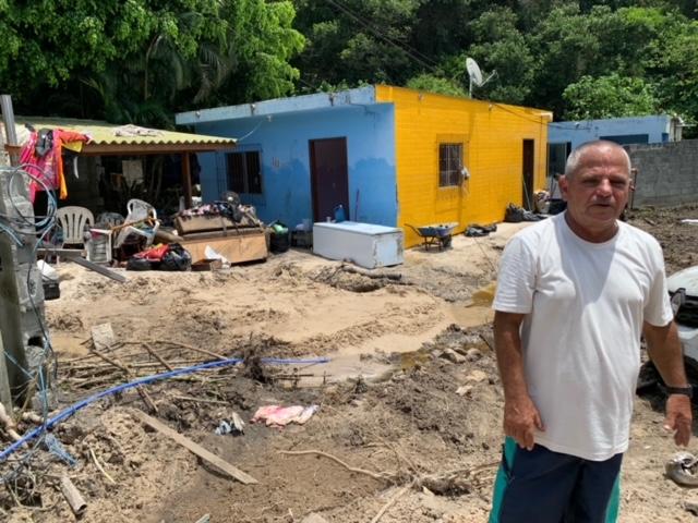 Situação desesperadora a dos moradores atingidos pelo rompimento – Foto: Dedinho