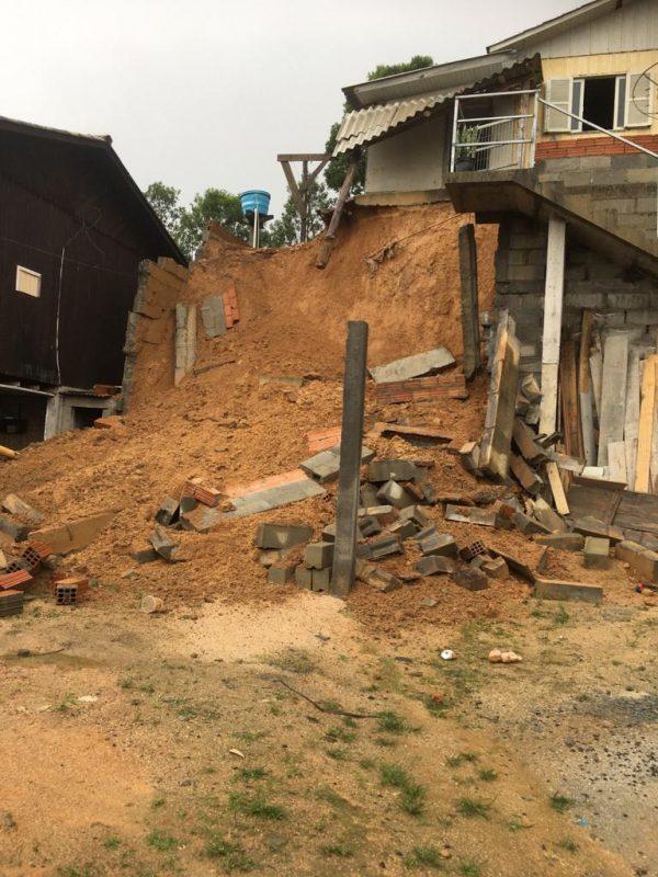 Ocorrência em Orleans deixou uma família desalojada – Foto: Divulgação/Defesa Civil/ND