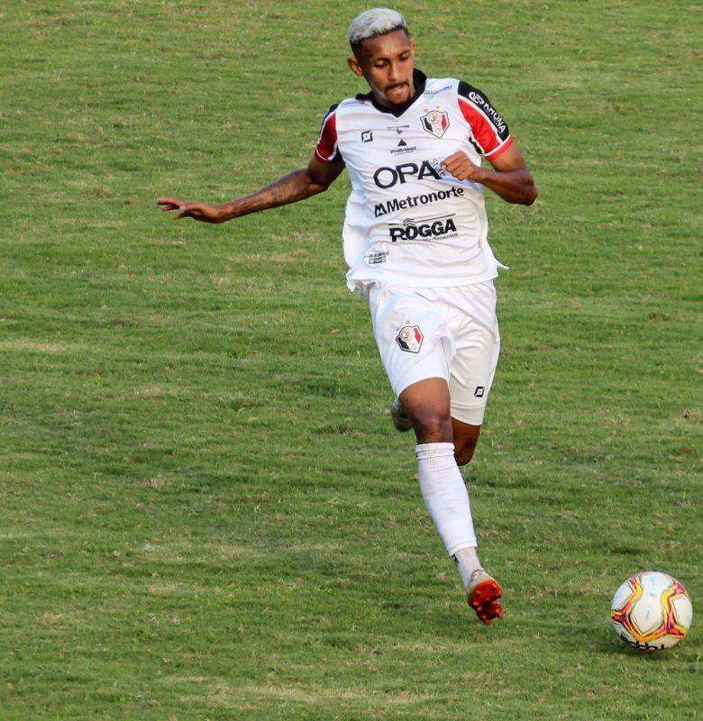 Aos 21 anos, Diego tem a responsabilidade de ser o camisa 10 tricolor – Foto: Vitor Forcellini/JEC