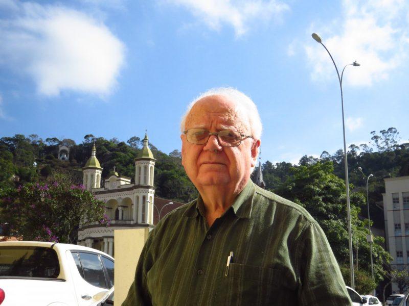 Médico do Hospital Azambuja, de Brusque, morre aos 77 anos, vítima de Covid-19 – Foto: Luiz Antonello/Arquivo O Município