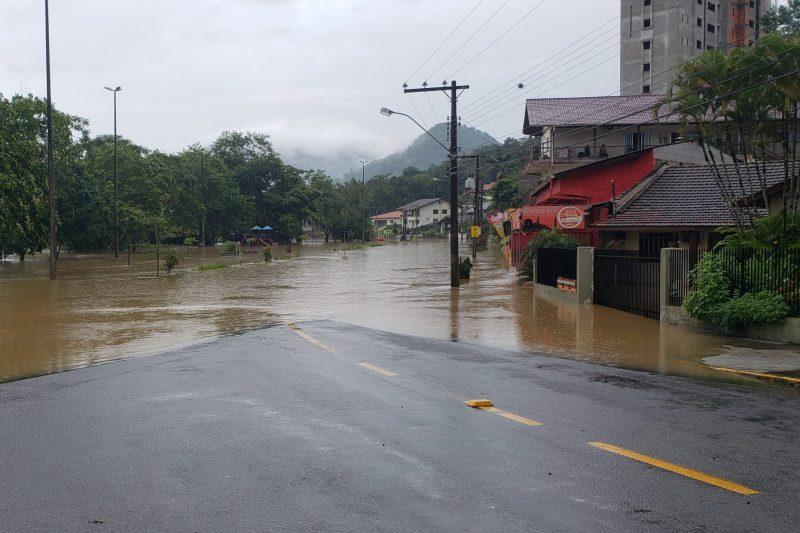 Cerca de mil pessoas foram atingidas pelas chuvas em Timbó – Foto: Divulgação / Prefeitura de Timbó