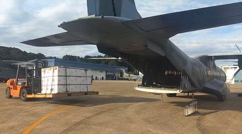 Avião da FAB transporta a carga de São Paulo para Florianópolis – Foto: FAB/Divulgação/ND