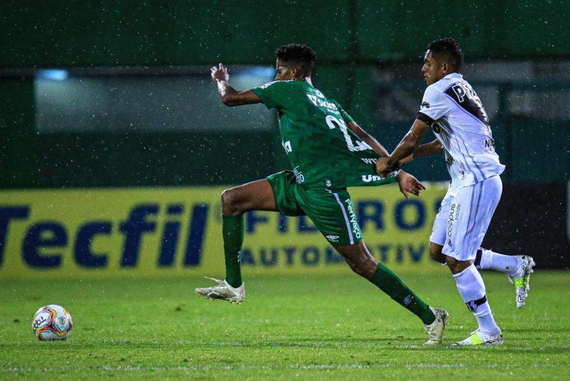 Chapecoense 1 a 0 Ponte Preta; vitória pode definir até o título para a Chapecoense – Foto: Márcio Cunha/ACF
