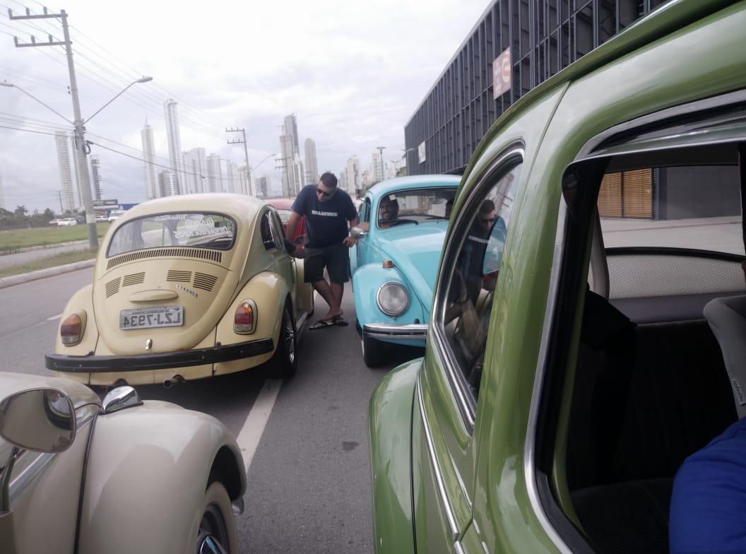 Do Centro de Eventos, carros seguiram até a Barra Sul, pela Avenida Atlântica. - Wagner S. Rodrigues