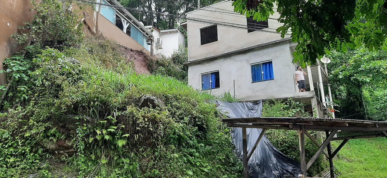 Três deslizamentos foram registrados nas últimas horas em Gaspar - Defesa Civil Gaspar / Divulgação