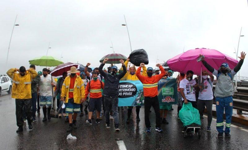 Trabalhadores da Comcap estão em greve desde o dia 18 de janeiro – Foto: Sintrasem/Divulgação/ND