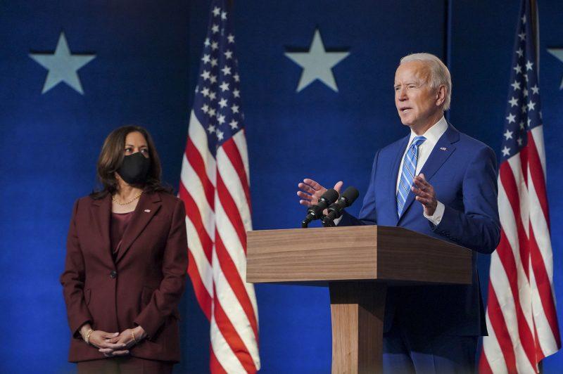 Joe Biden e Kamala Harris em discurso