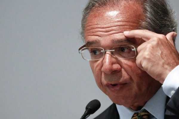 Paulo Guedes em discurso