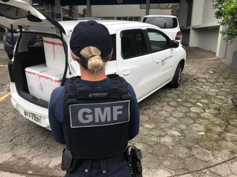 Guarda Municipal ajudou no carregamento das doses até a Capital