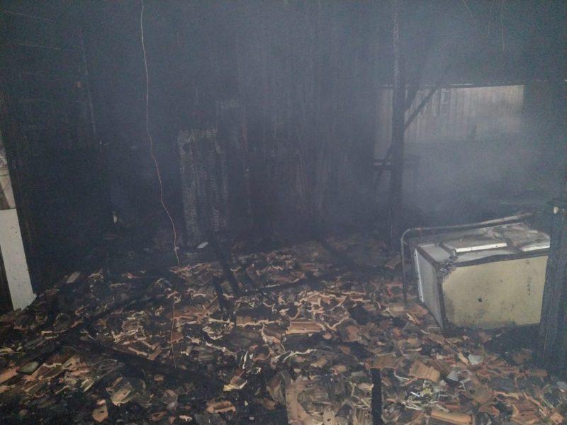 Casas ficaram totalmente destruídas pelo incêndio em Ponte Alta – Foto: Divulgação/ND