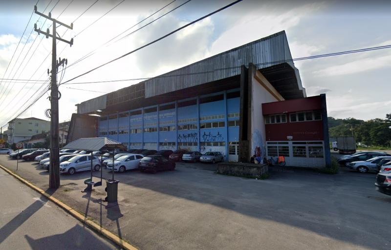 Ginásio Ivan Rodrigues, templo do esporte joinvilense, foi interditado em 2011- Foto: Reprodução/Google Maps