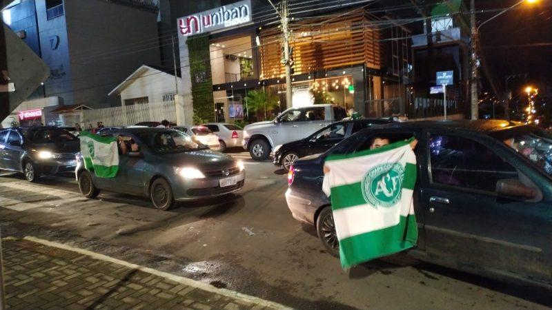 Torcida do Verdão do Oeste invadiu as ruas de Chapecó para comemorar o título nacional – Foto: Junior Spindula/NDTV Chapecó (7)