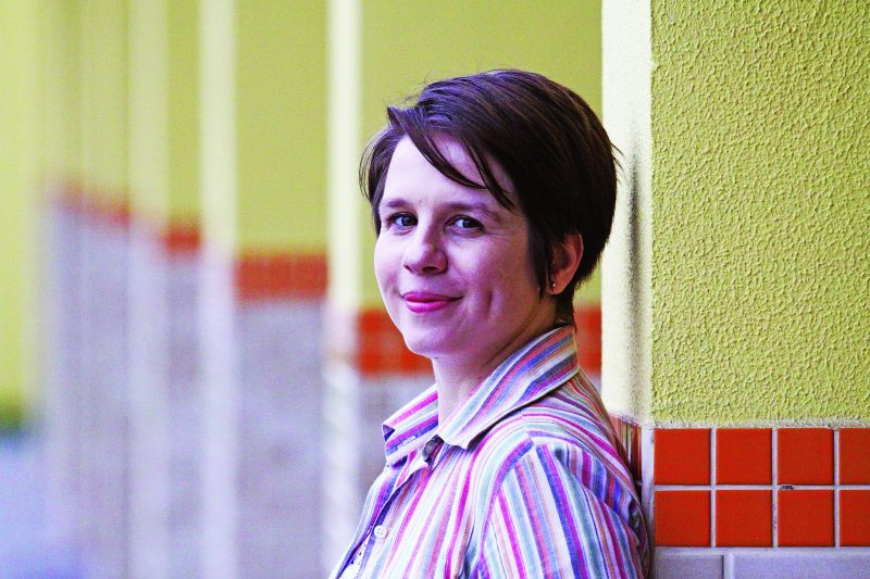 Jornalista e escritora joinvilense Katherine Funke representa uma geração bem profícua – Foto: Foto Luciano Moraes/Divulgação/ND
