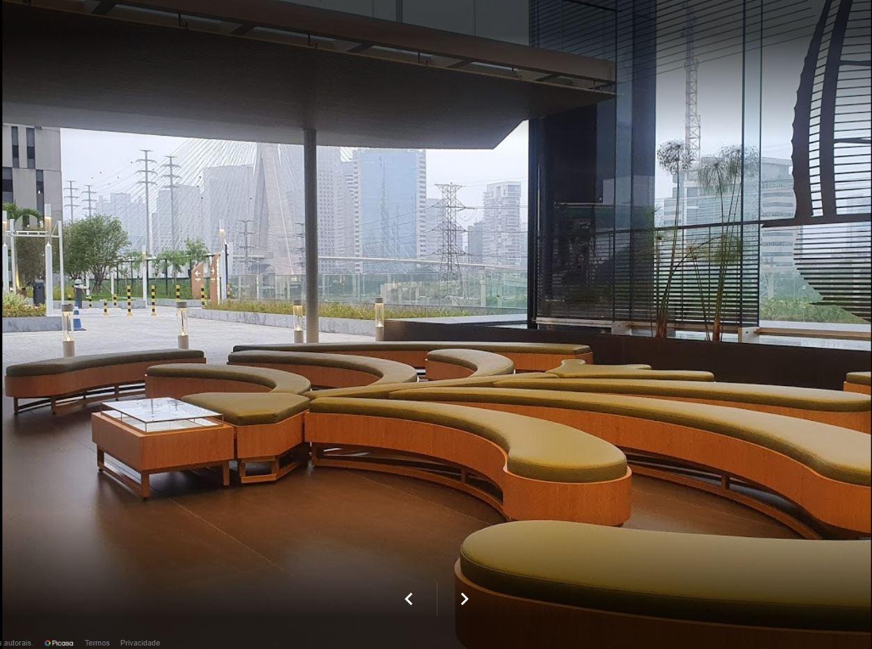 Uma das áreas de espera do Hospital Sancta Maggiore Dubai, onde Luciano Hang estaria internado - Reprodução