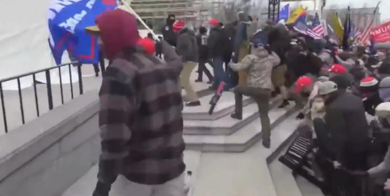 Capitólio americano foi invadido na última semana, com manifestantes contestando a legitimidade da vitória do democrata Joe Biden – Foto: Reprodução/Twitter/ND