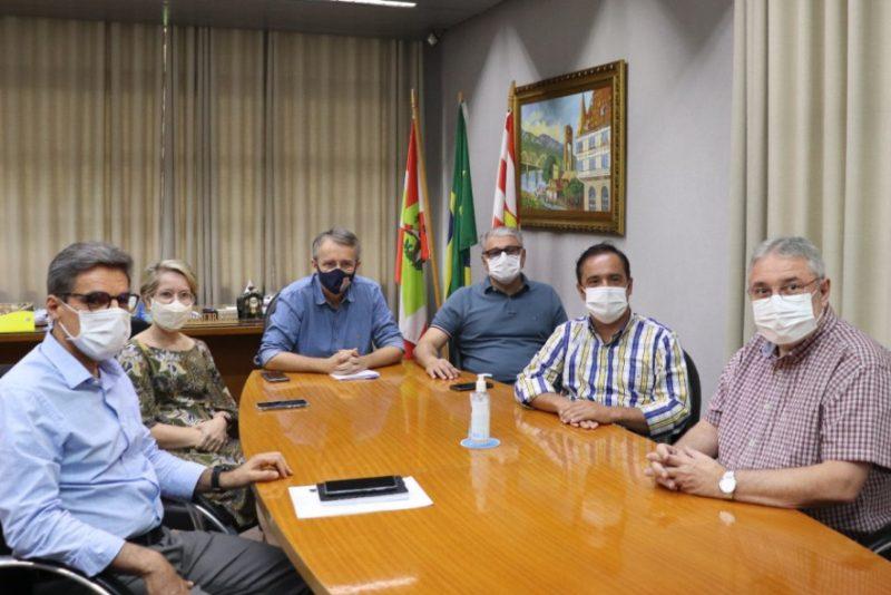 Anuncio foi feito durante reunião nesta quarta-feira (13) – Foto: Marcelo Martins / Prefeitura de Blumenau