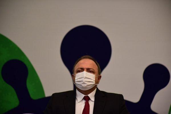 Ministro da Saúde, Eduardo Pazuello, disse que app estava induzindo as ações de medicamentos e solicitou tirá-lo do ar – Foto: Claudio Reis/Metrópoles/Divulgação/ND