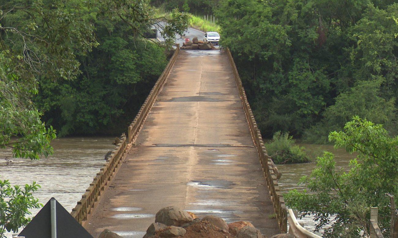 A ponte passará por avaliação técnica nesta semana. - Reprodução/NDTV Chapecó