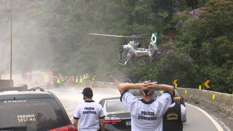Quatro helicópteros foram acionados para o resgate – Foto: Ricardo Alves/NDTV