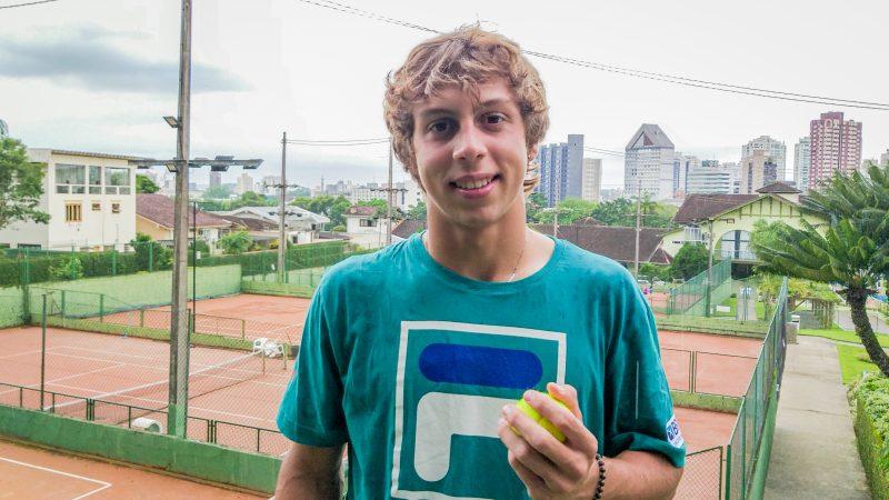 Pedro Boscardin se classificou para as oitavas do torneio – Foto: Yan Pedro/Arquivo/ND