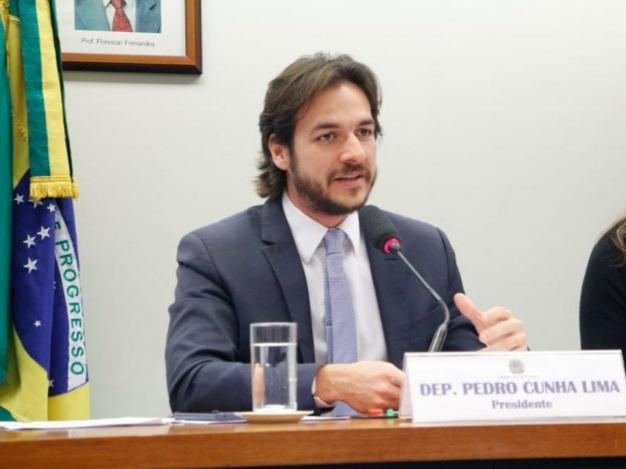 Pedro Cunha Lima, autor da PEC do Penduricalho