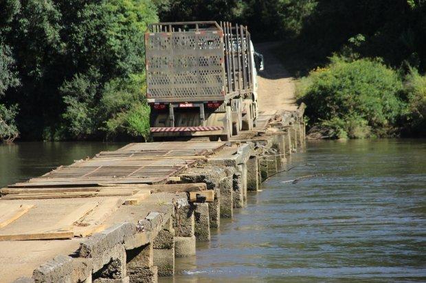 Além da federalização, Carlos Moisés pede a recupração da Ponte das Goiabeiras, na SC-114