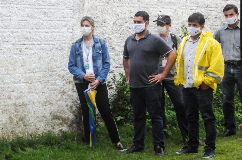 Irredutível, diretor administrativo da Casan (de jaqueta amarela) provocou insatisfação ainda maior. Foto: Leo Munhoz/ND