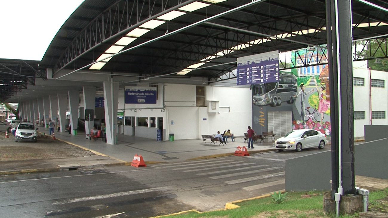 Reforma trouxe cobertura metálica ao prédio - Juliano Masselai/NDTV