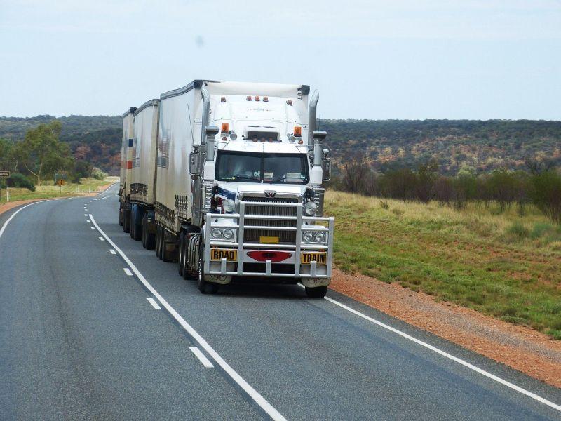 Artigo: veículos pesados e viagens sem volta - Foto: Pixabay