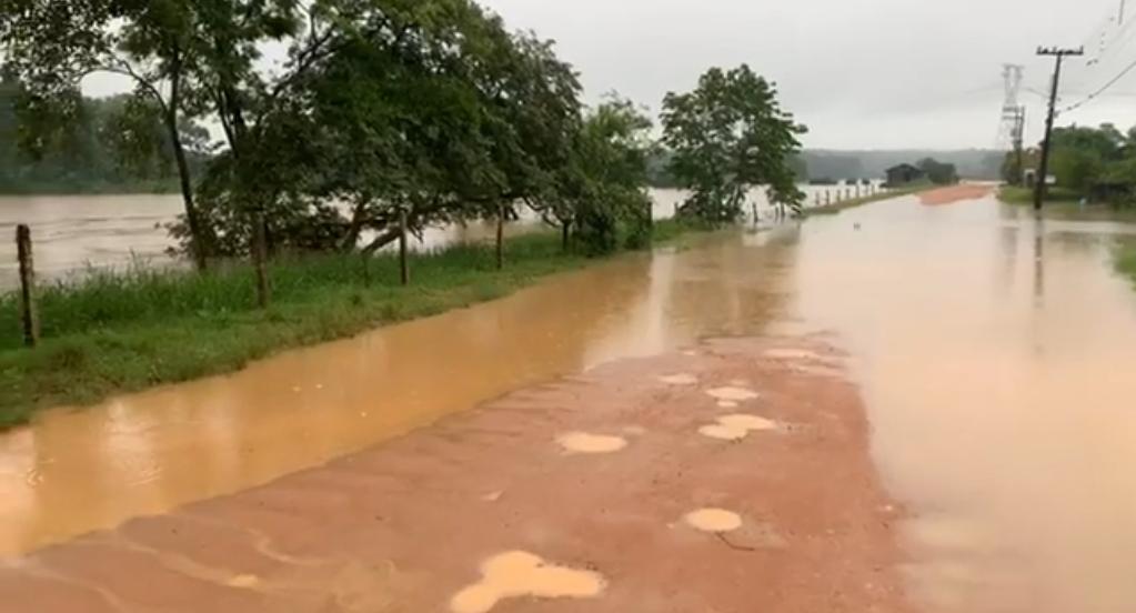 22 toneladas de móveis e eletrodomésticos foram recolhidas - Defesa Civil Timbó / Divulgação