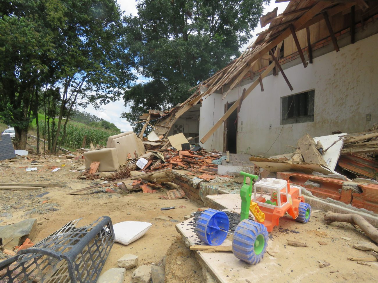 Prefeitura estima R$ 6,5 milhões em prejuízos com as residências afetadas na enxurrada - Talita Catie/ND