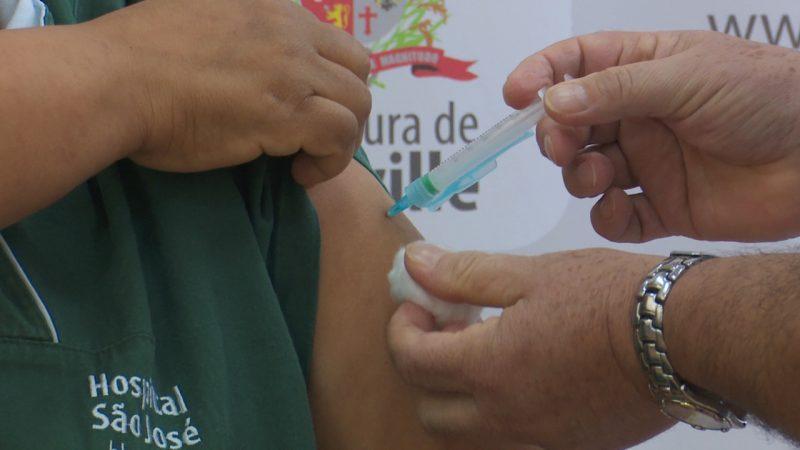 Quase cinco mil pessoas já receberam a vacina em Joinville – Foto: Alfa Stofelli/NDTV