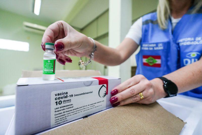 Nesta quina-feira (18) faz um mês que a vacinação contra Covid-19 iniciou em Santa Catarina – Foto: Ricardo Wolffenbuttel/Secom/Divulgação/ND