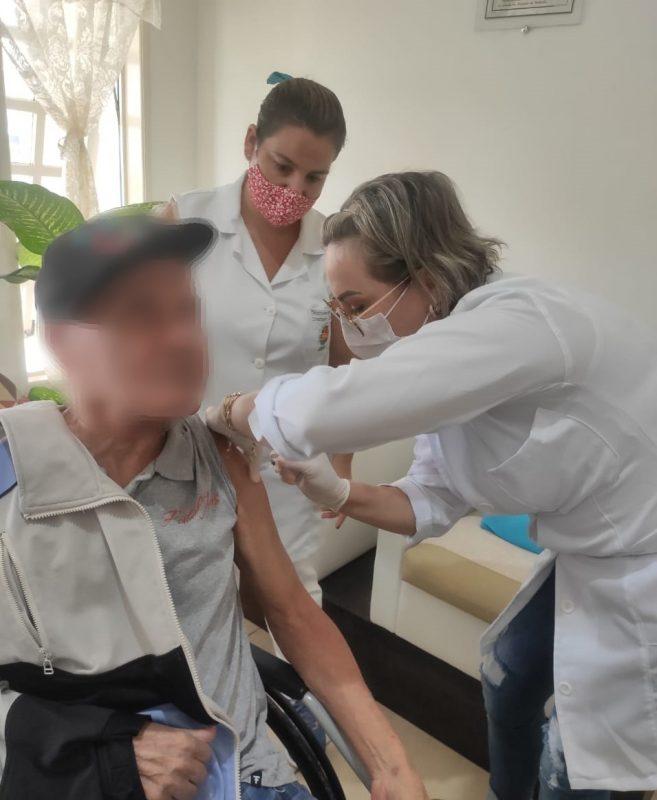 Prefeitura de Imbituba iniciou a vacinação na cidade – Foto: Prefeitura de Imbituba/Divulgação