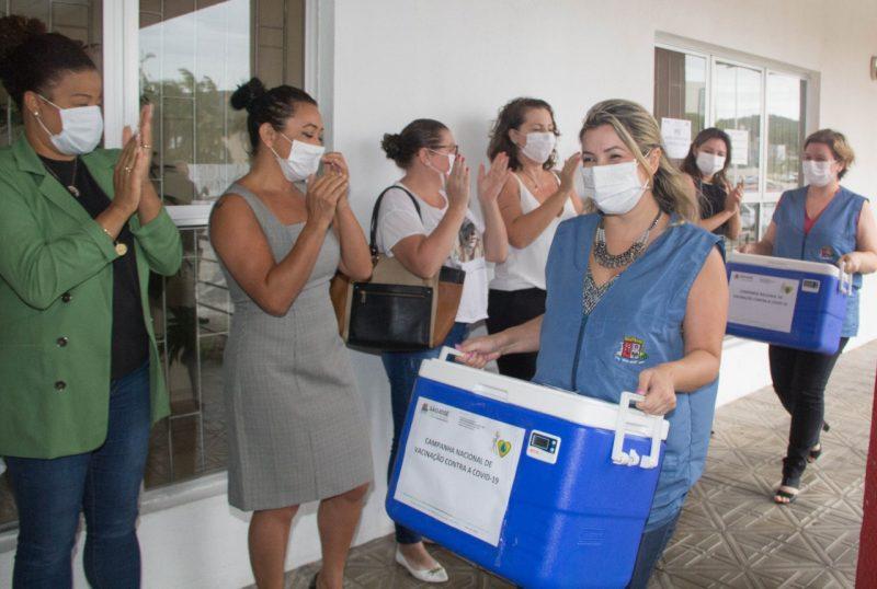 Município iniciou a campanha de vacinação contra a Covid-19 – Foto: PMSJ/Divulgação