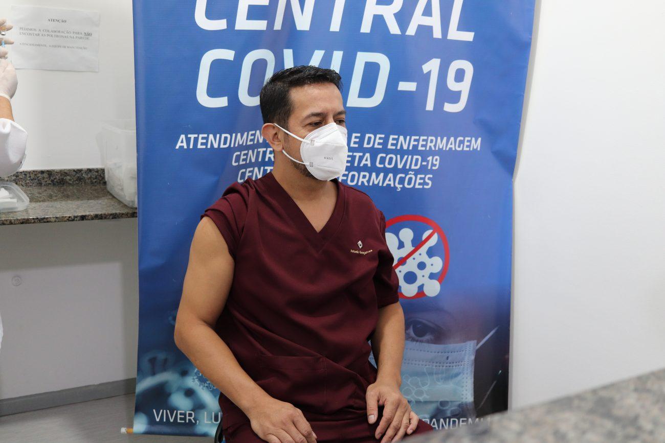A vacinação ocorreu na tarde desta segunda-feira, 19. - Aleson Padilha/Prefeitura de Penha