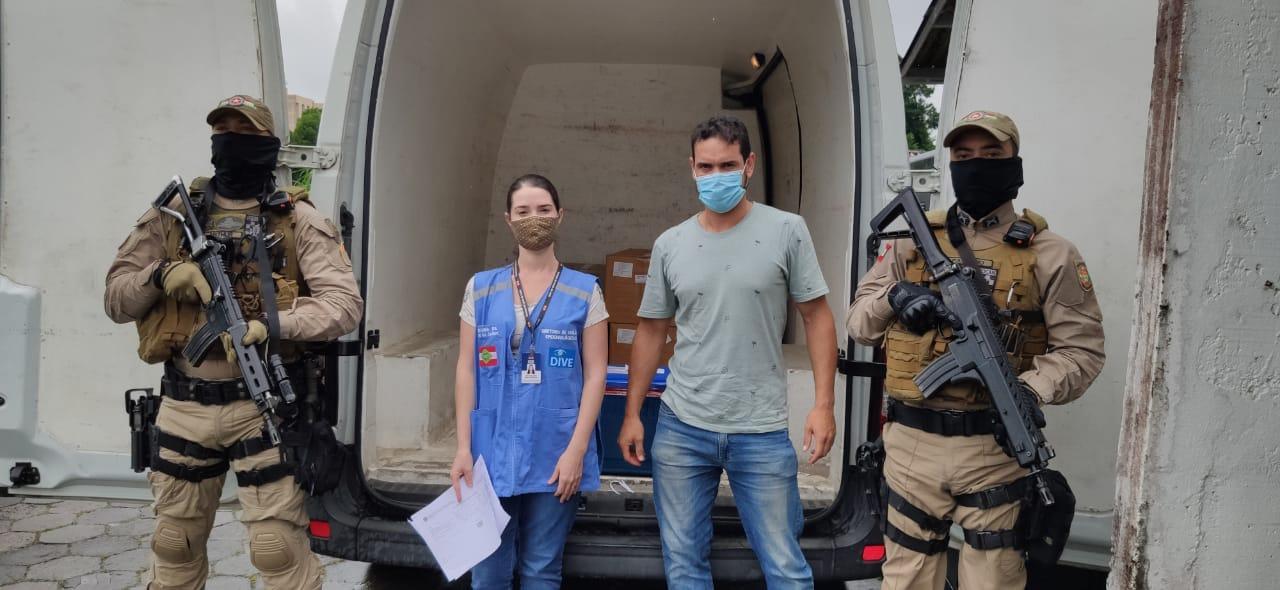 Blumenau recebe segunda remessa de vacinas contra a Covid-19. Desta vez, são as doses da parceira Oxford/Astrazaneca - Stevão Limana/NDTV